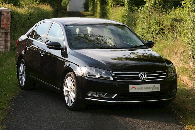 Volkswagen Passat Executive Image 1
