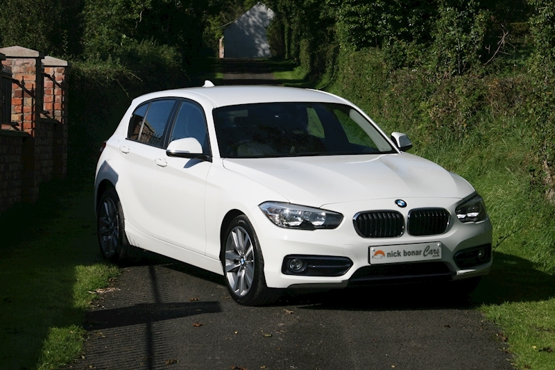 BMW 1 Series 118i Sport 5-Door Image 1
