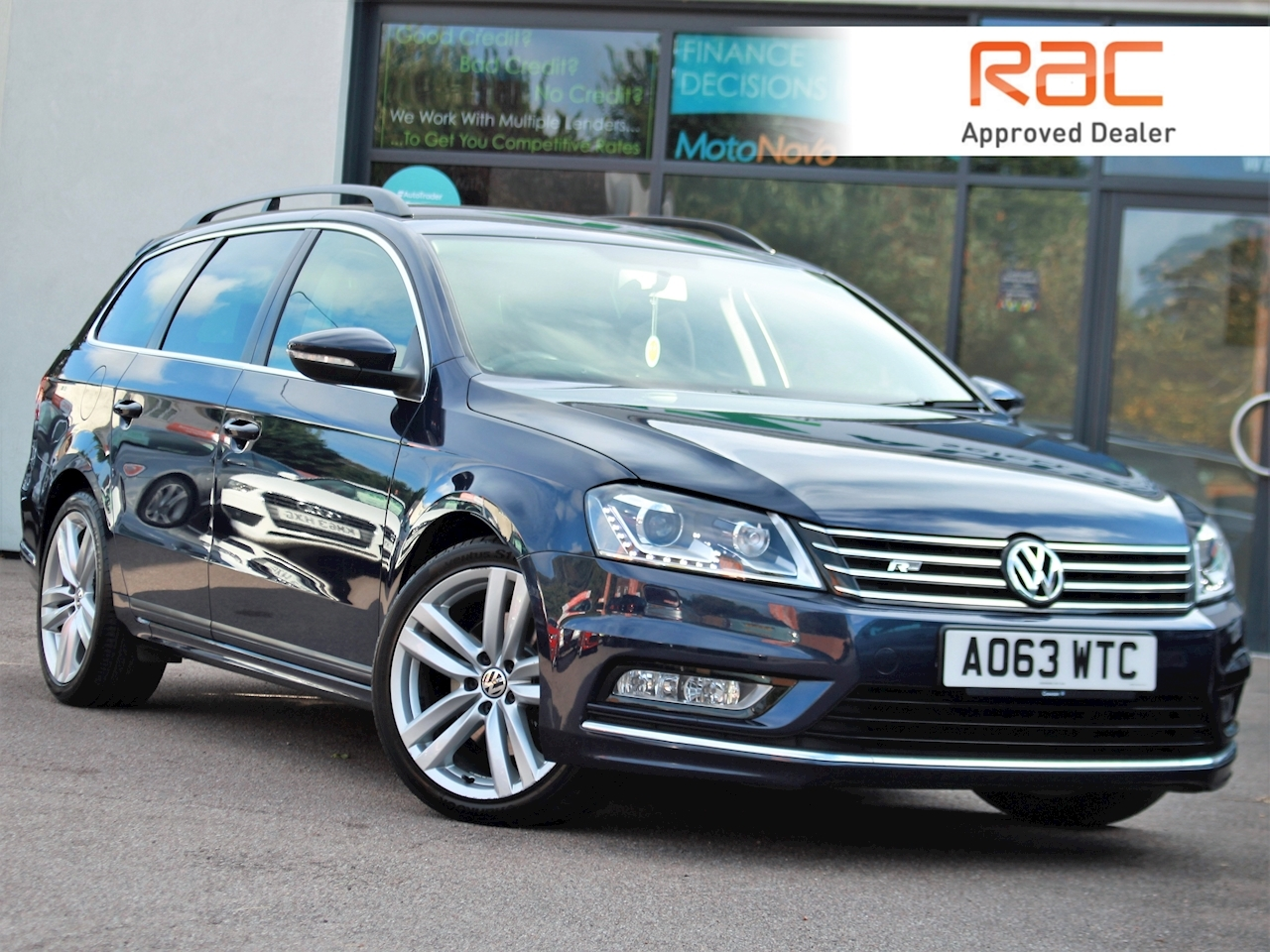 Volkswagen Passat R Line Tdi Bluemotion Technology - Large 0