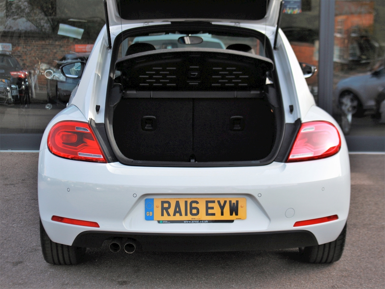 Volkswagen Beetle Sport Tdi Bluemotion Technology - Large 8
