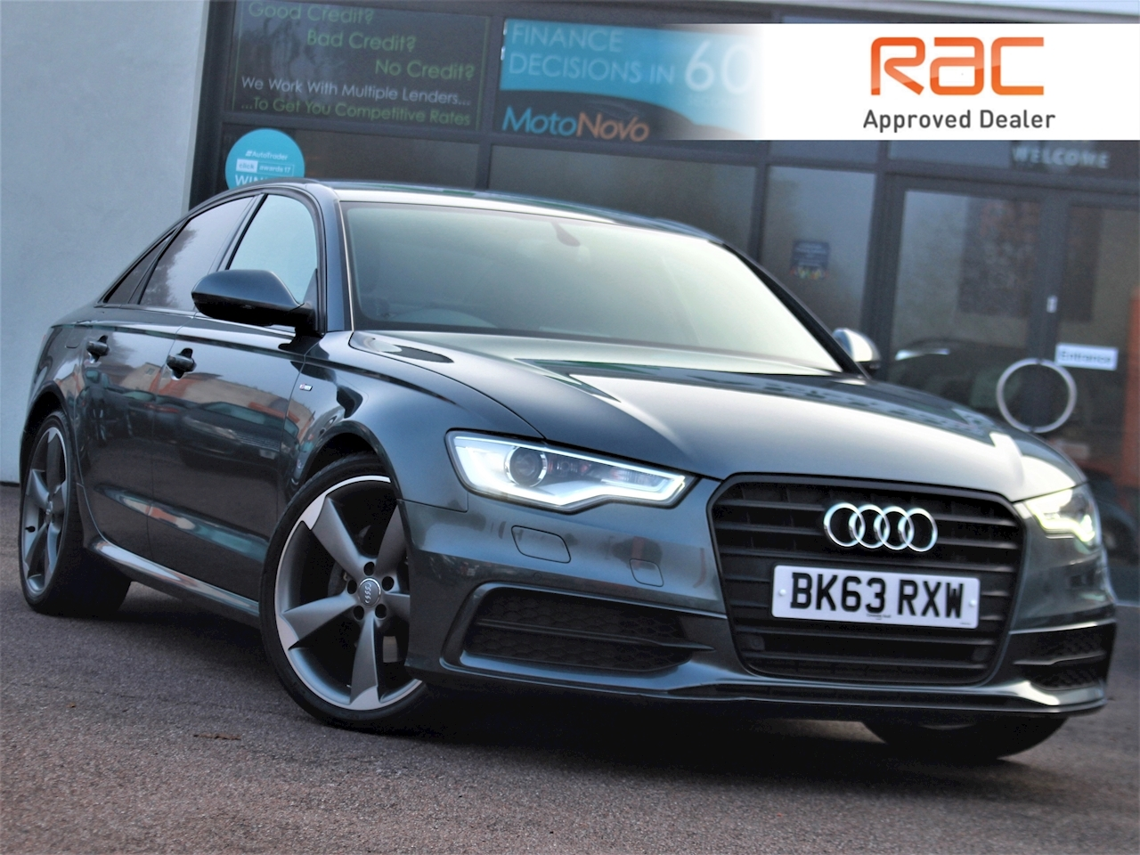 Audi A6 Tdi S Line Black Edition - Large 0