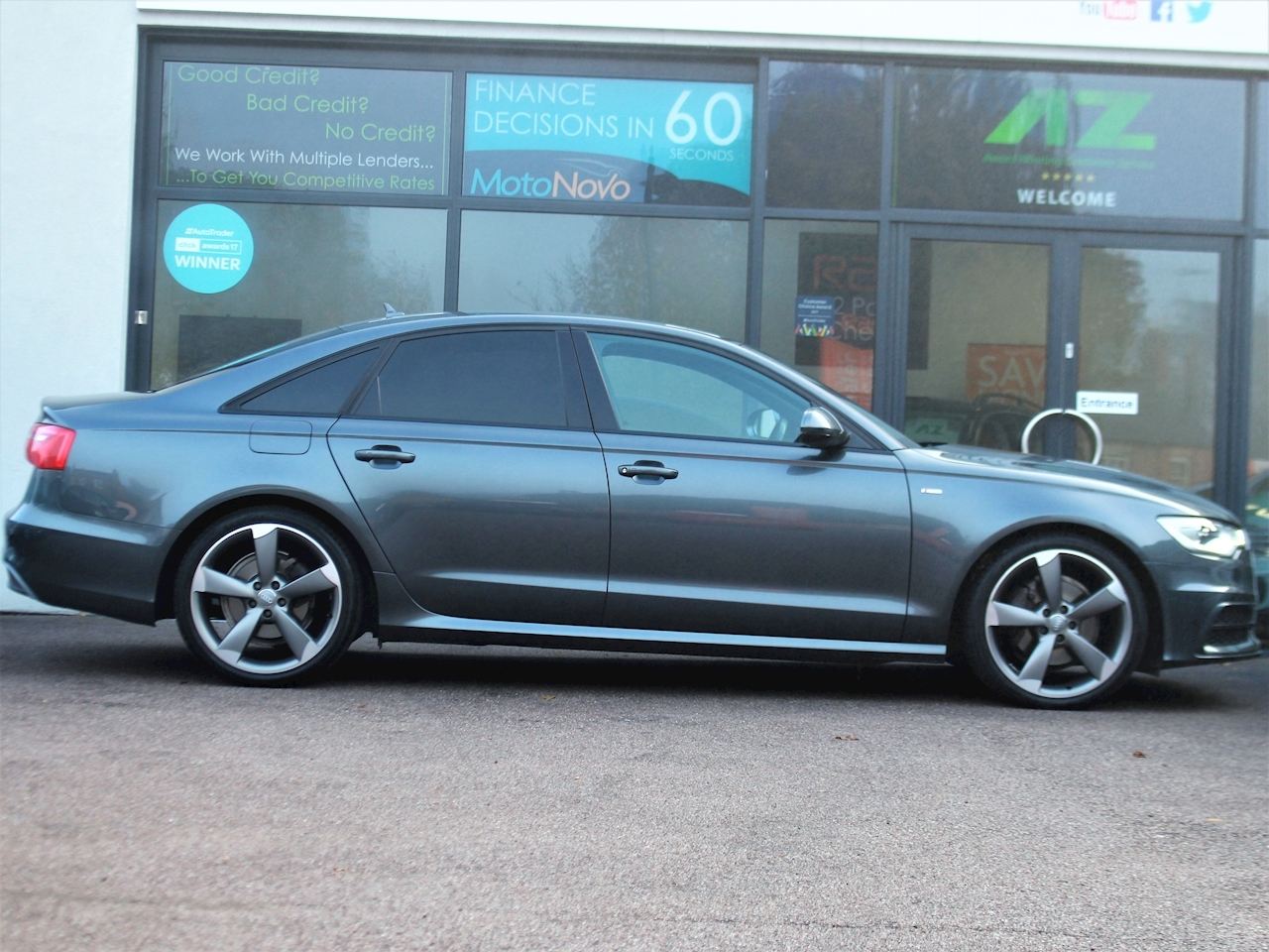 Audi A6 Tdi S Line Black Edition - Large 5