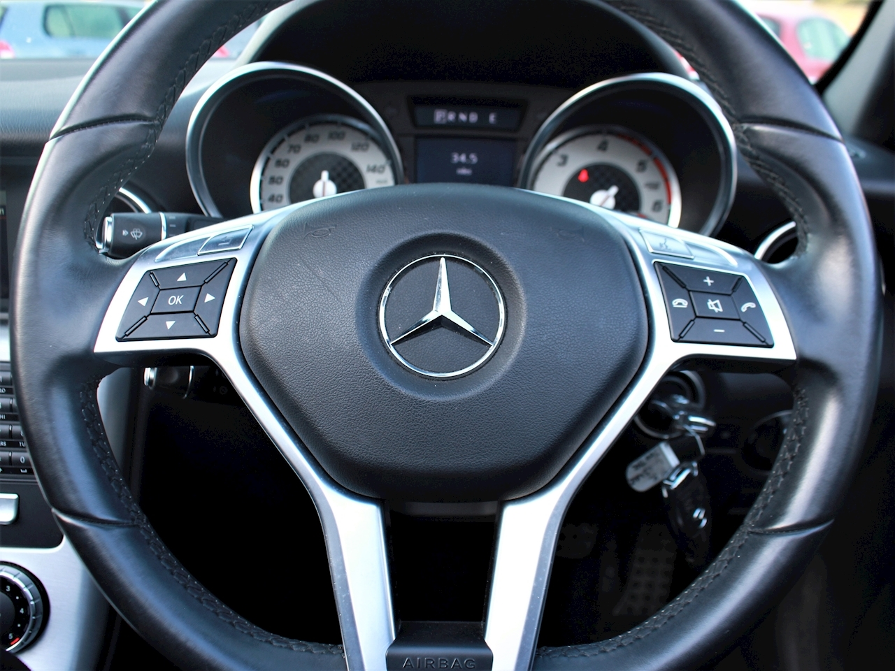 Mercedes Slk Slk250 Cdi Blueefficiency Amg Sport - Large 18