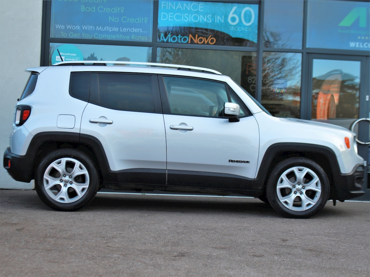 Jeep Renegade M-Jet Limited - Large 3