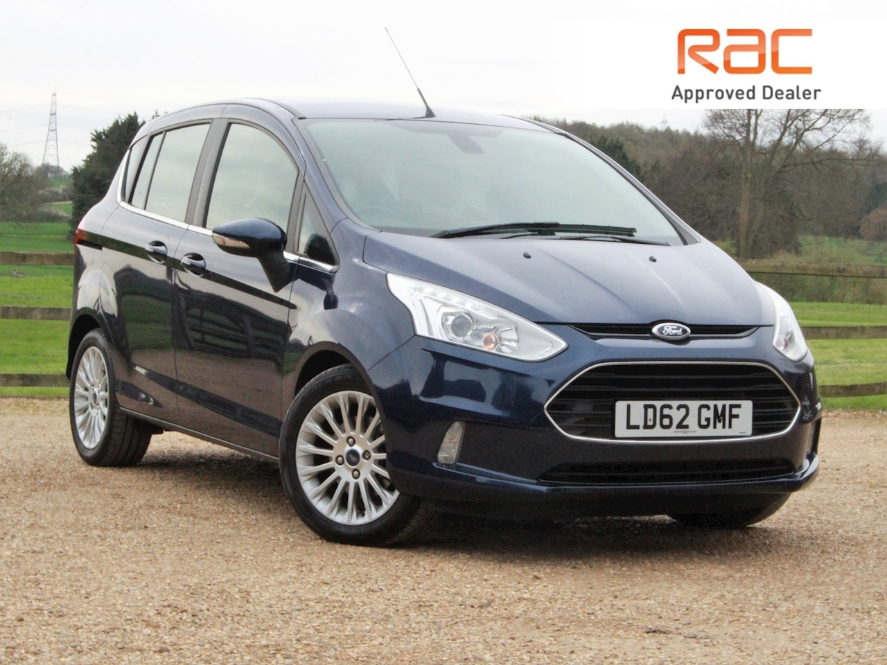 Ford B-Max Titanium - Large 0