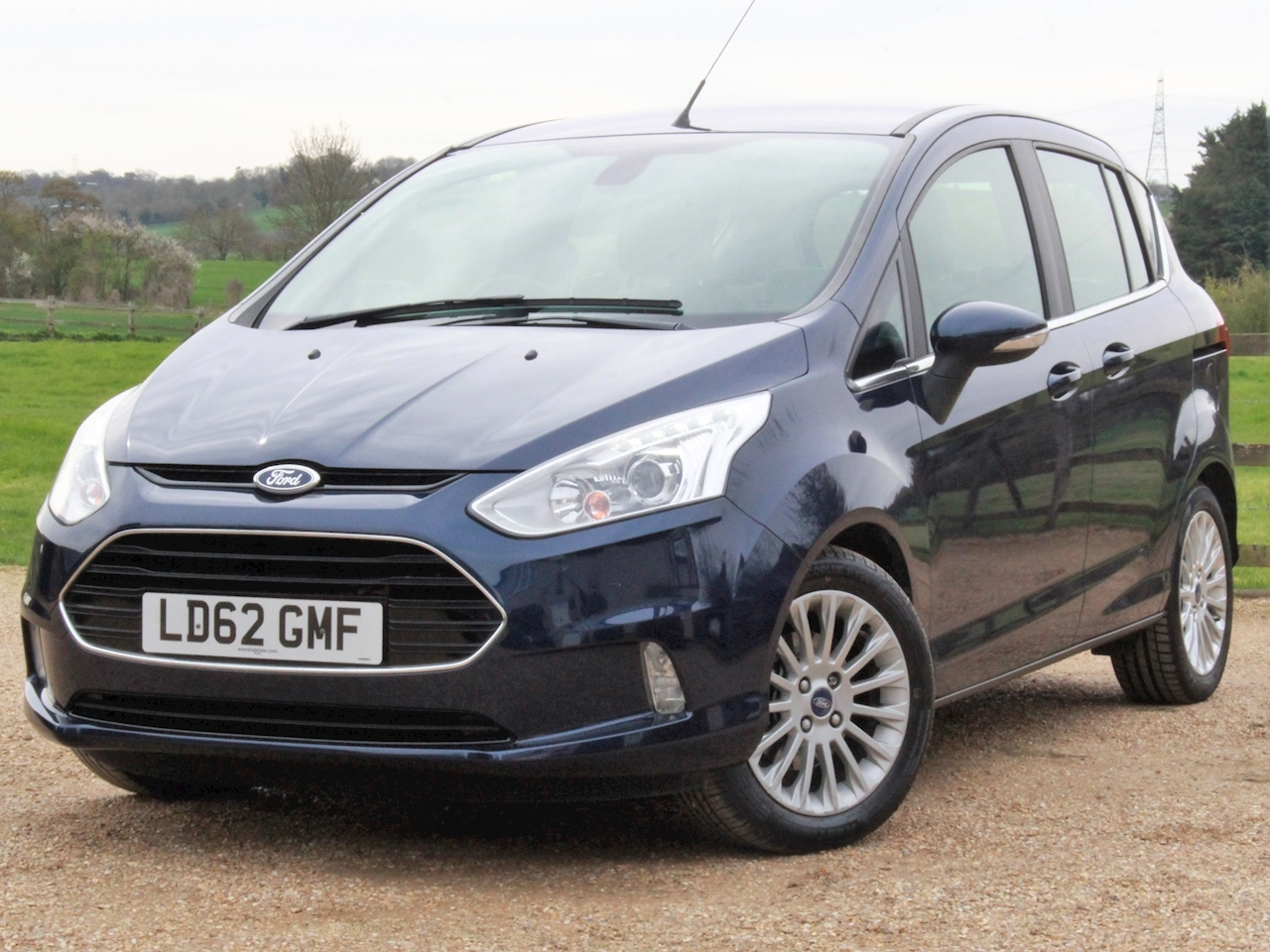 Ford B-Max Titanium - Large 2