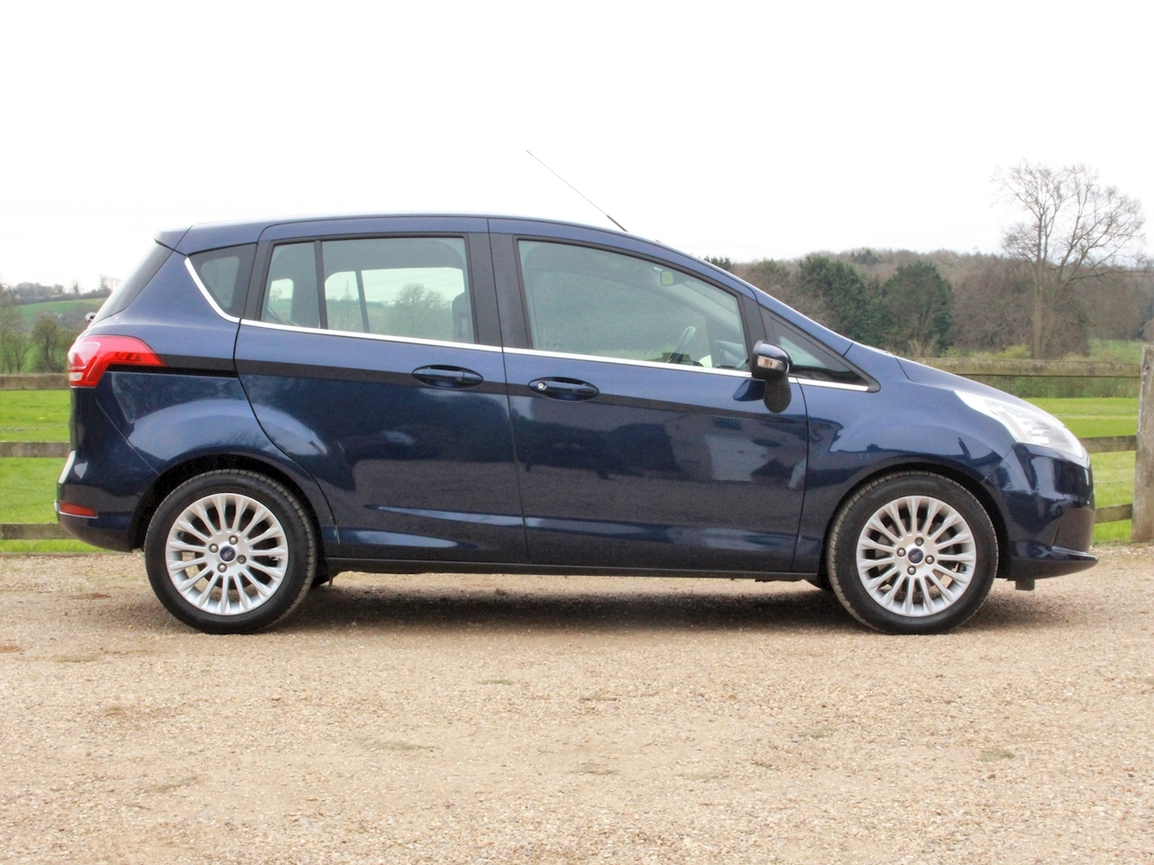 Ford B-Max Titanium - Large 4