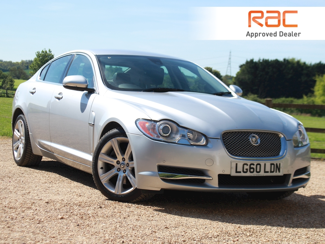 Jaguar Xf V6 Luxury - Large 0