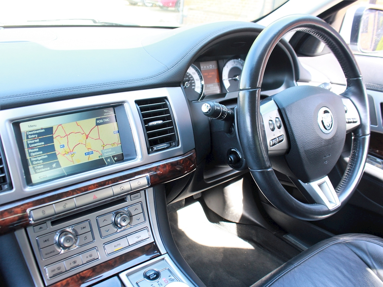 Jaguar Xf V6 Luxury - Large 19