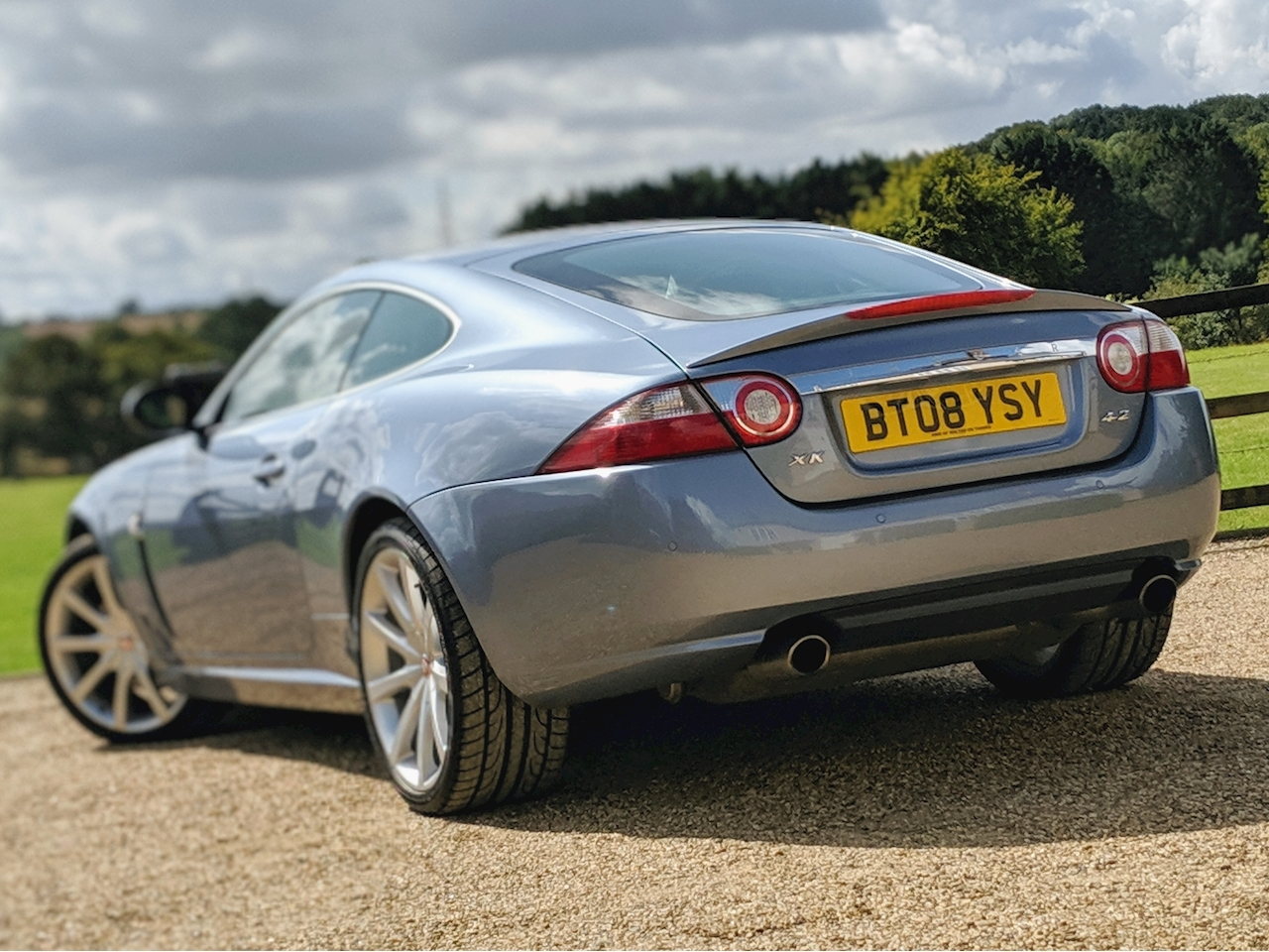 Jaguar Xk Coupe - Large 3