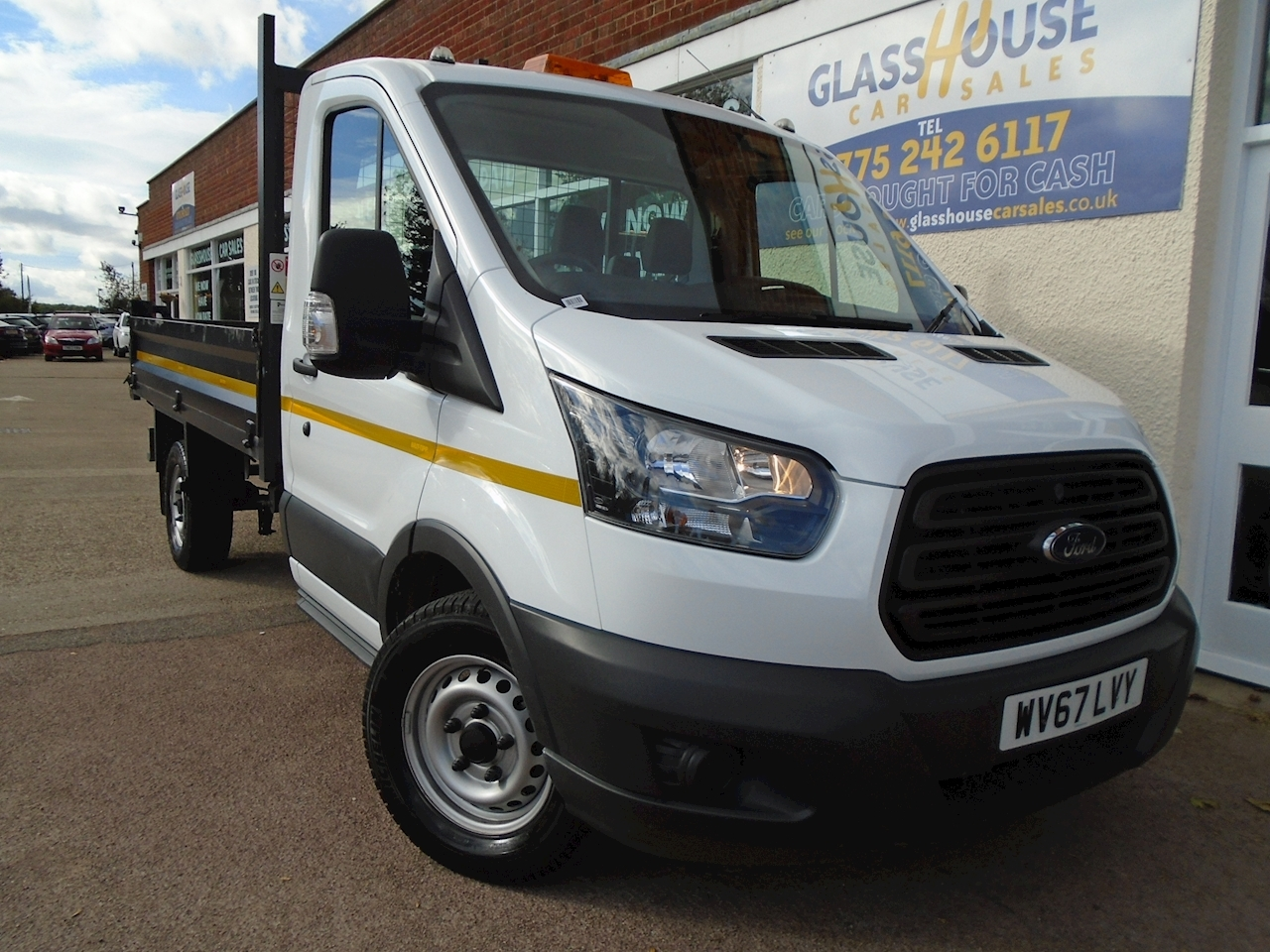 ba5b1ec988 Used White 2017 Ford Transit 350 L2 C C Drw Tipper 2.0 Manual Diesel ...