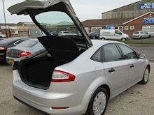 2013 Ford Mondeo 1.6 TDCi ECO Edge Hatchback Diesel 1.6 - Thumb 15