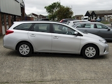 2015 Toyota Auris 1.4 D-4D Active Touring Sports Estate Diesel 1.4 - Thumb 4