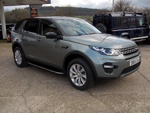 Land Rover Discovery Sport SE Tech 9 Speed