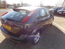 Ford Focus Zetec Climate - Thumb 5