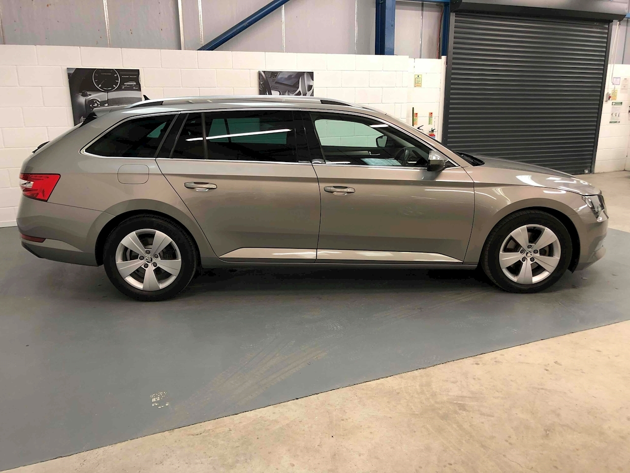SKODA Superb SE Business Estate 2.0 Manual Diesel