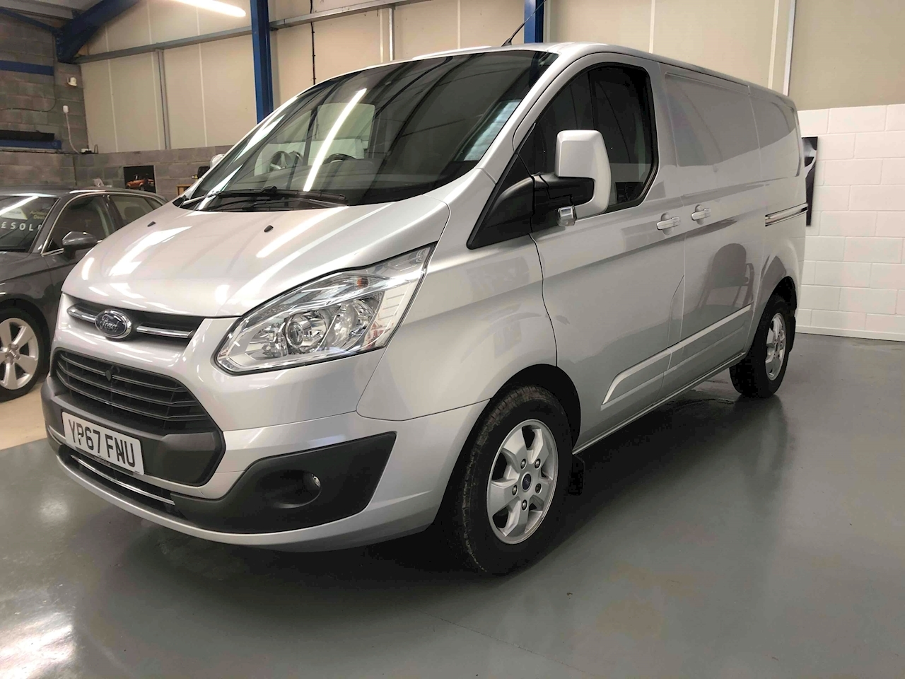 Transit Custom TDCi 270 Limited Panel Van 2.0 Manual Diesel