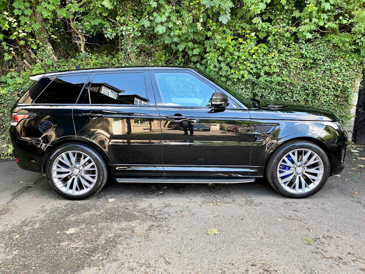 Range Rover Sport SVR 5 5dr SUV Automatic Petrol