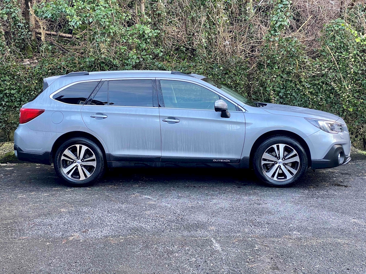 2.5i SE Premium Estate 5dr Petrol Lineartronic 4WD (s/s) (175 ps)