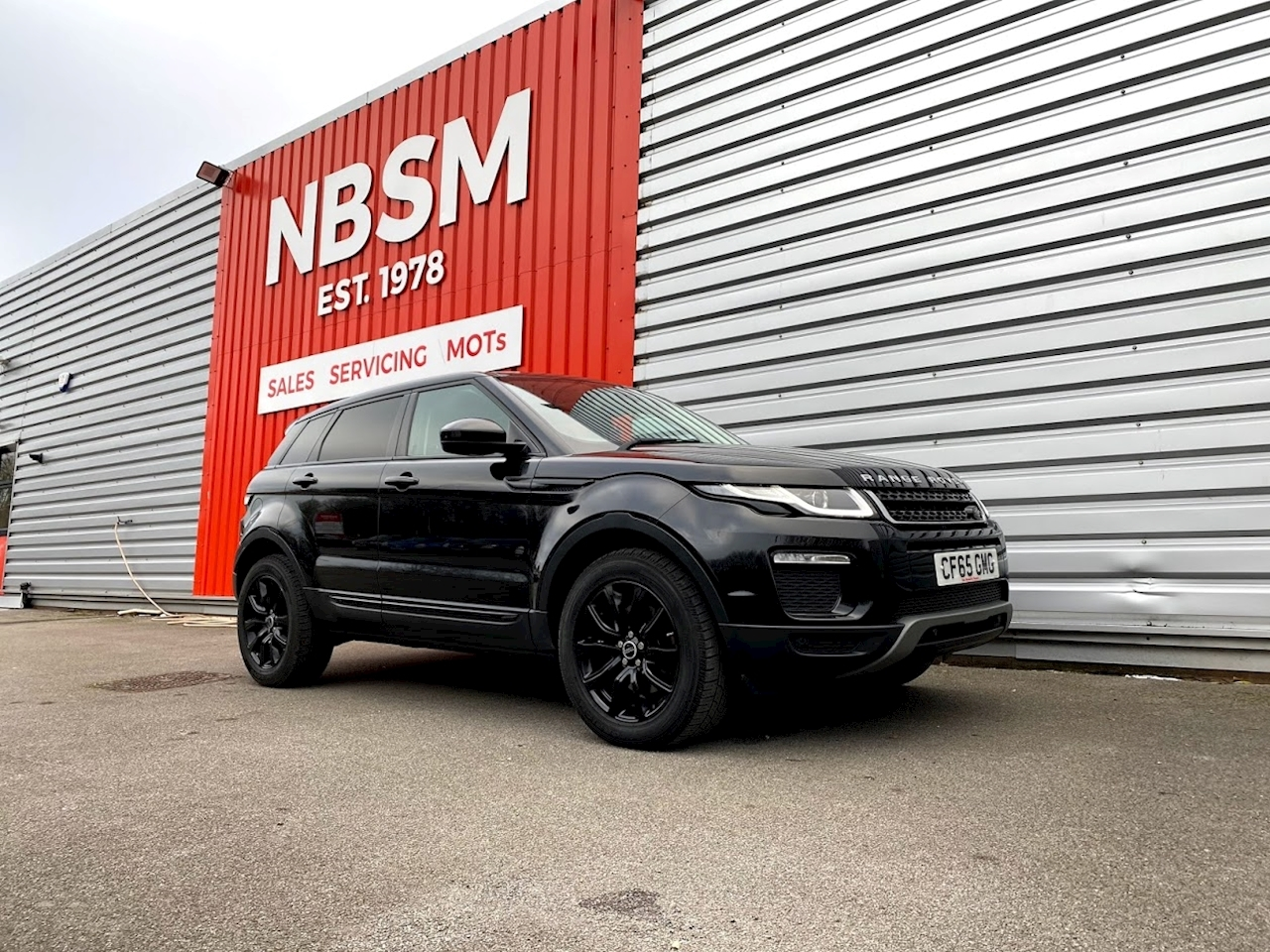 Land Rover 2.0 TD4 SE Tech SUV 5dr Diesel Auto 4WD (s/s) (180 ps)