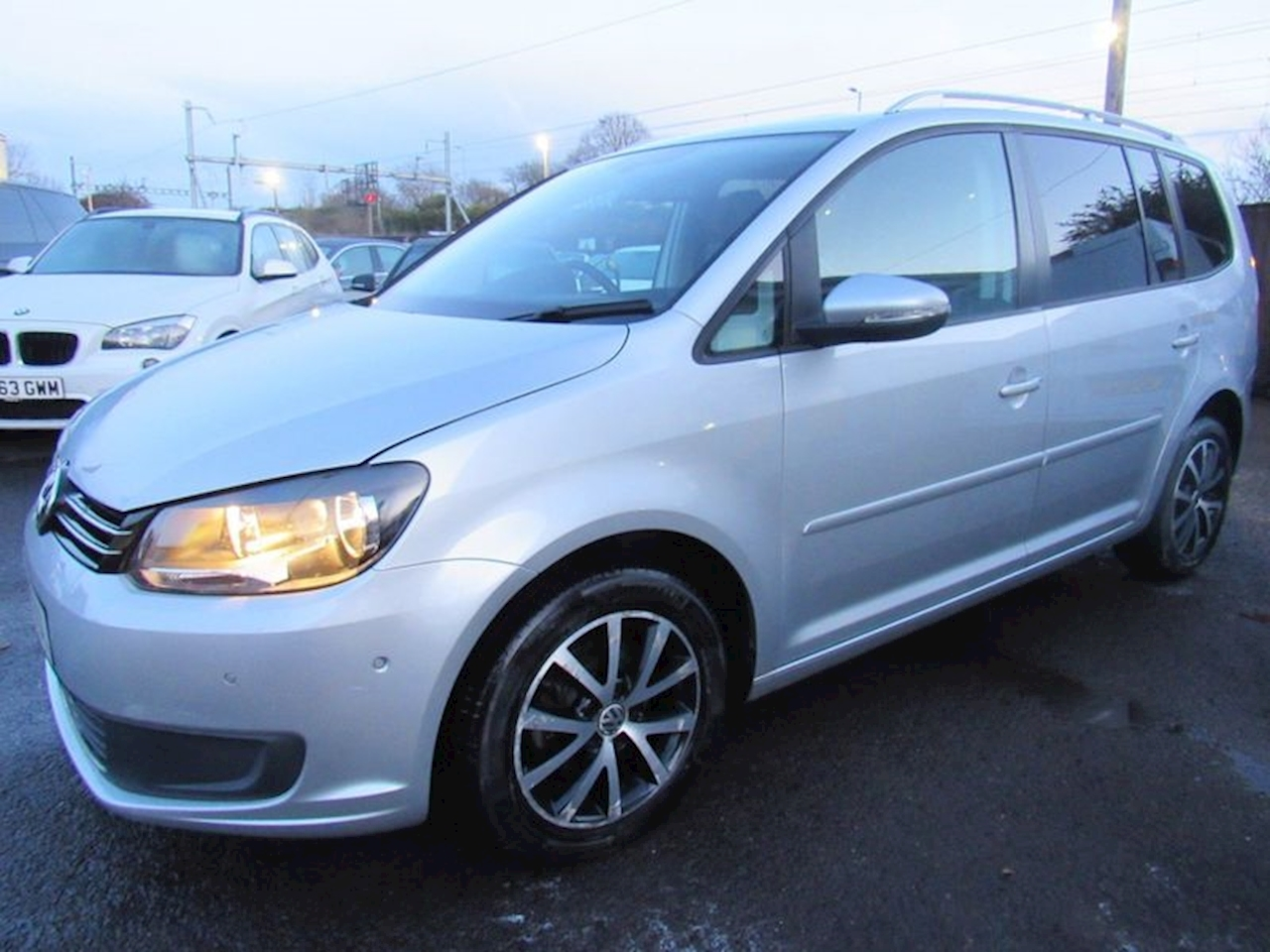 Volkswagen Touran Se Tdi Bluemotion Technology Mpv 1.6 Manual Diesel