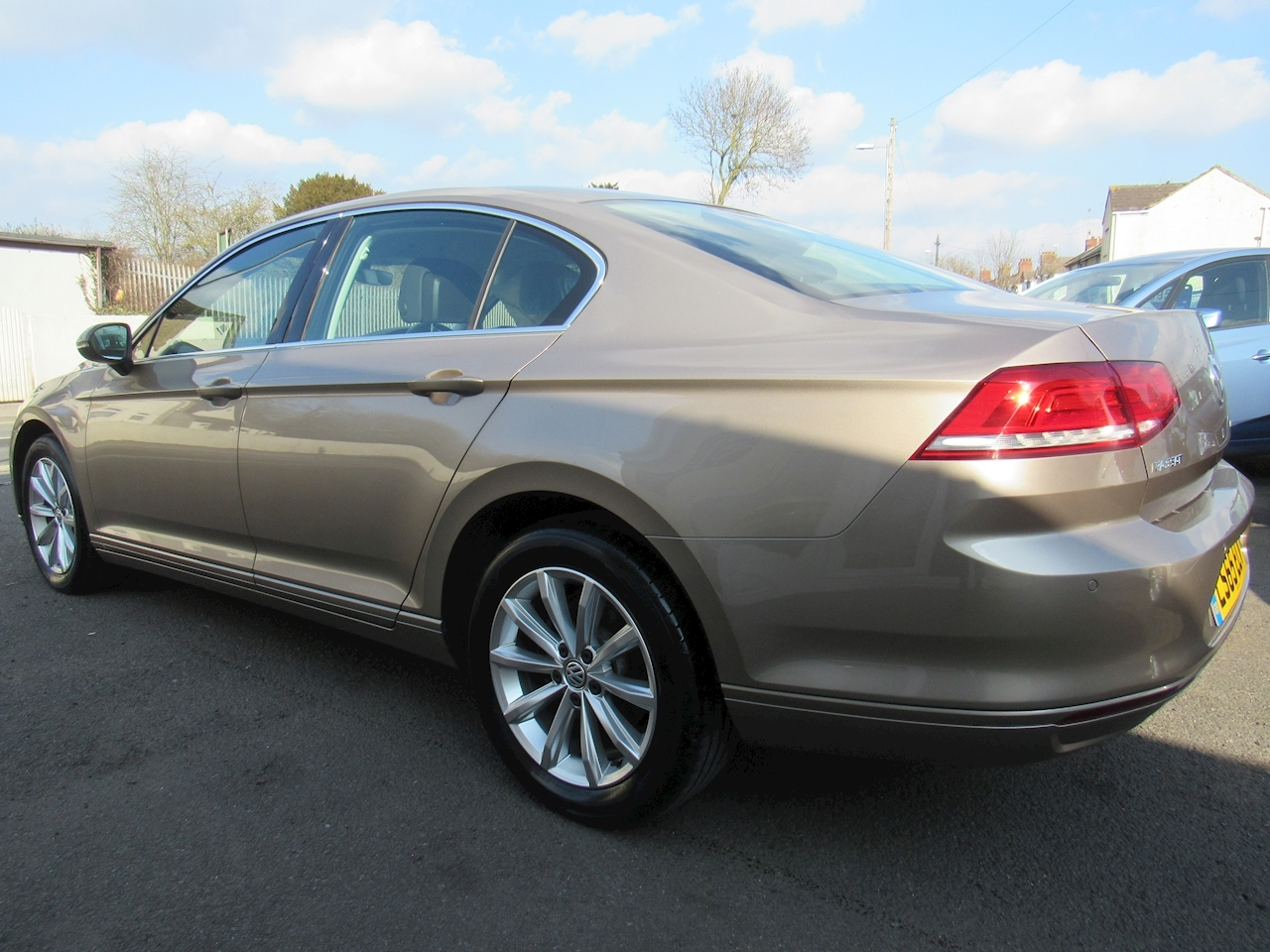 Volkswagen Passat Se Tdi Bluemotion Technology Saloon 1.6 Manual Diesel