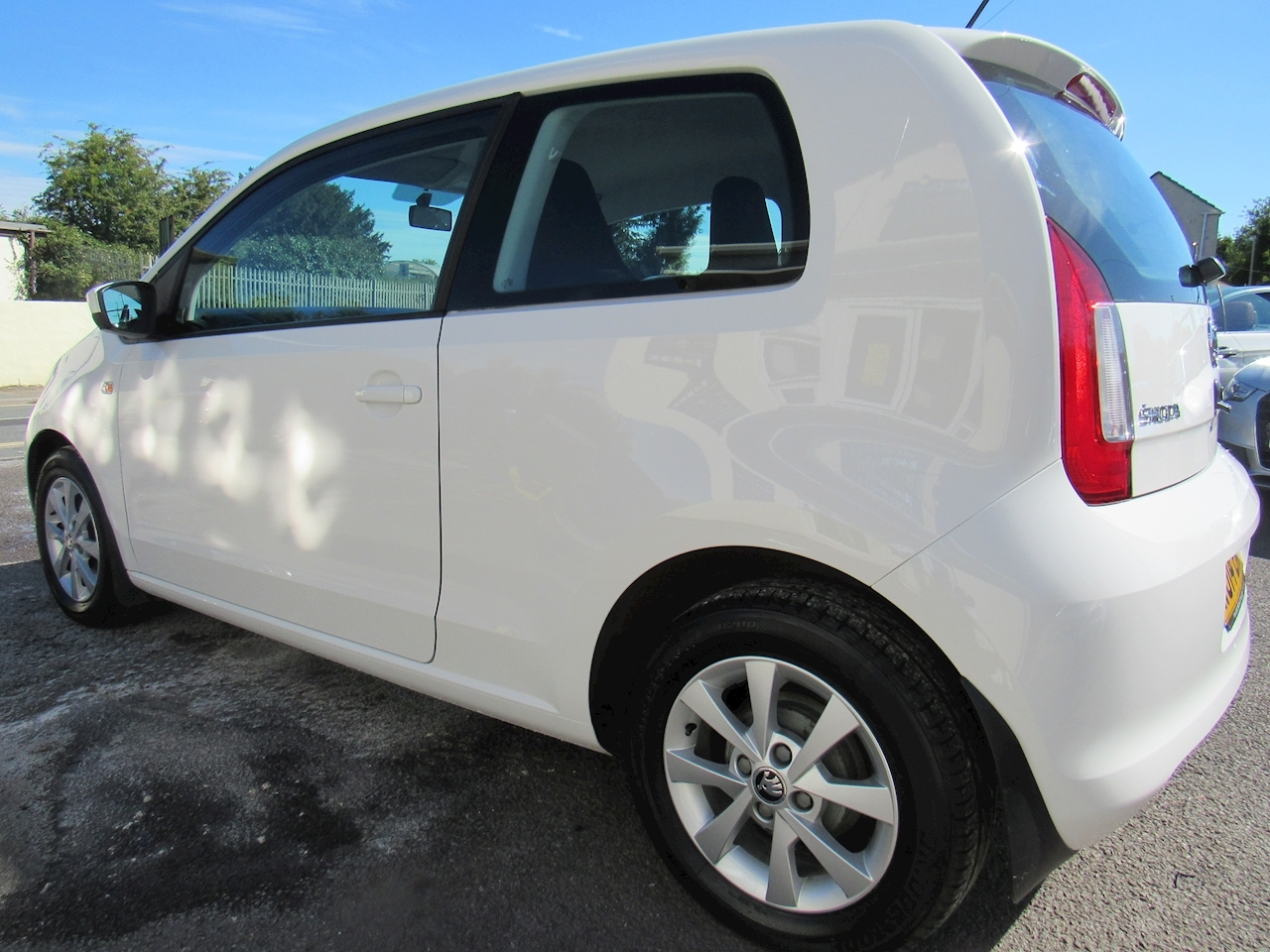 SKODA Citigo Elegance Hatchback 1.0 Manual Petrol