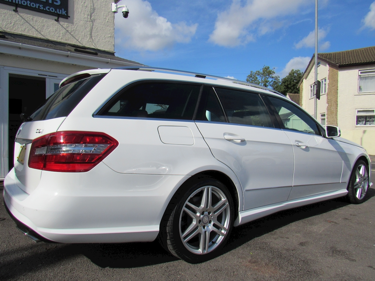 Mercedes-Benz E Class  Estate 2.2 Automatic Diesel