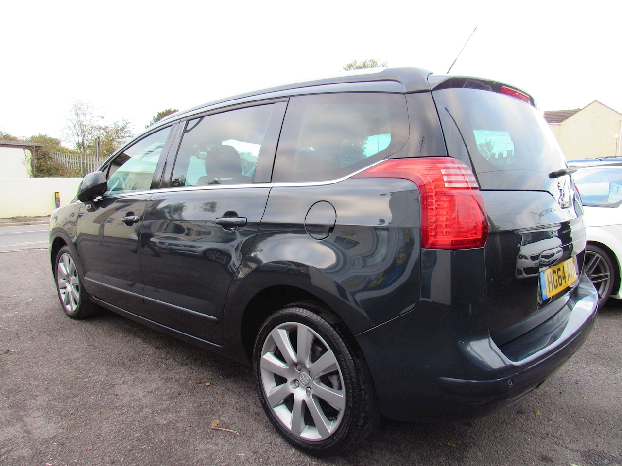 5008 Allure MPV 2.0 Manual Diesel