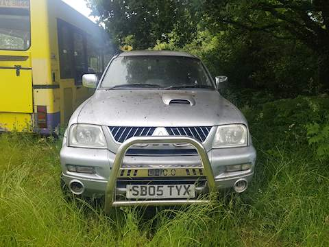 L200 4Wd Lwb Gls Warrior Club Cab 2.5 Pick-Up Manual Diesel