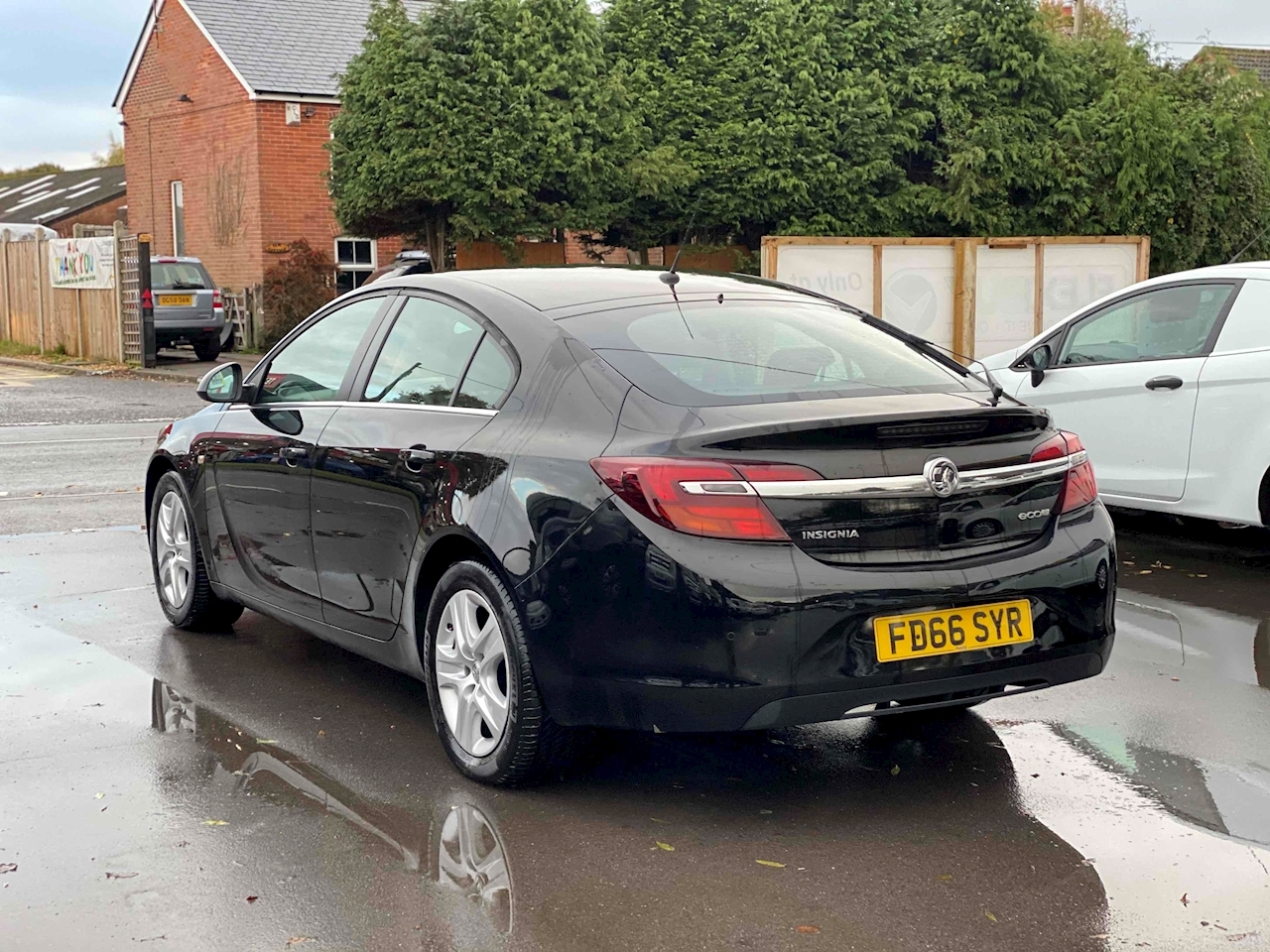 Insignia Design 1.6 5dr Hatchback Manual Diesel