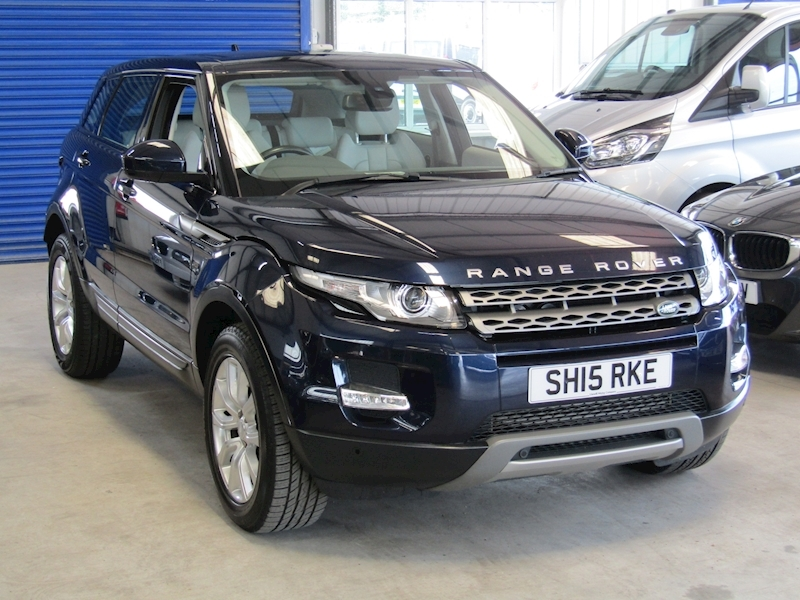 Land Rover Range Rover Evoque in rare Noir Blue Sd4 Pure Tech