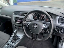 2014 VW Golf SE 2.0 D Estate Automatic - Thumb 18