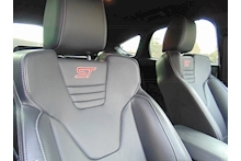 Ford Focus ST-3 - Thumb 11