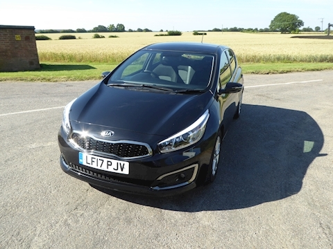 Kia Ceed 2 Isg Hatchback 1.6 Manual Petrol