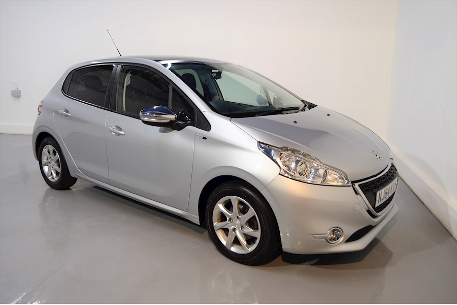 208 Style Hatchback 1.2 Manual Petrol