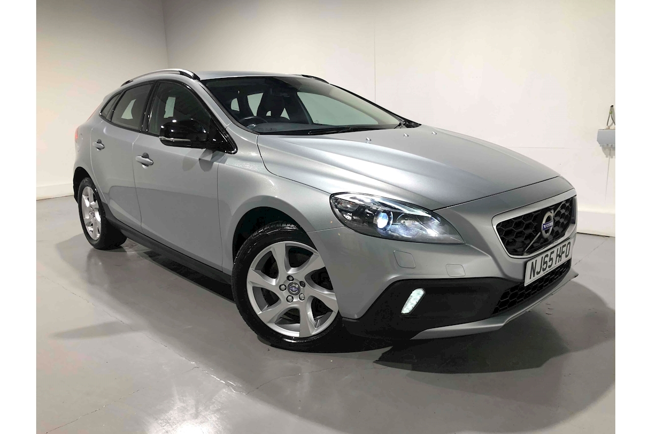 Volvo V40 D2 Cross Country Lux Hatchback 2.0 Manual Diesel