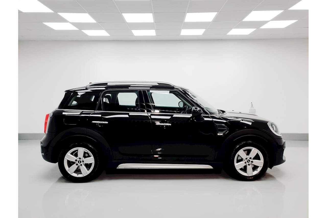 MINI 1.5 Cooper Classic SUV 5dr Petrol Manual (s/s) (136 ps)