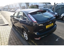 Ford Focus Zetec - Thumb 3