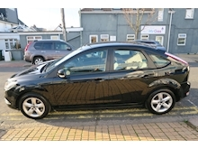 Ford Focus Zetec - Thumb 4