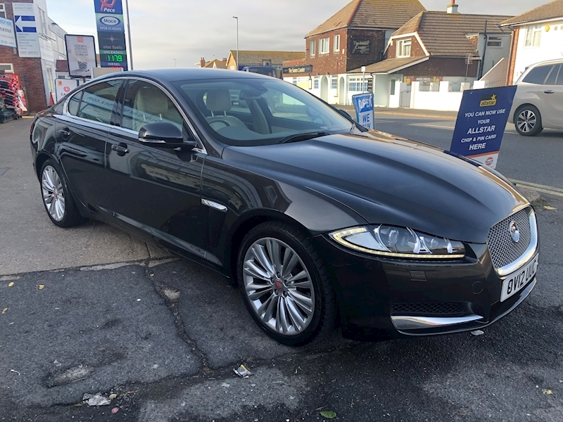 Xf D Premium Luxury Saloon 2.2 Automatic Diesel