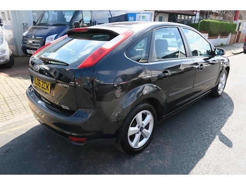 Focus Zetec Cli. P(116/4) Hatchback 1.6 Manual Petrol