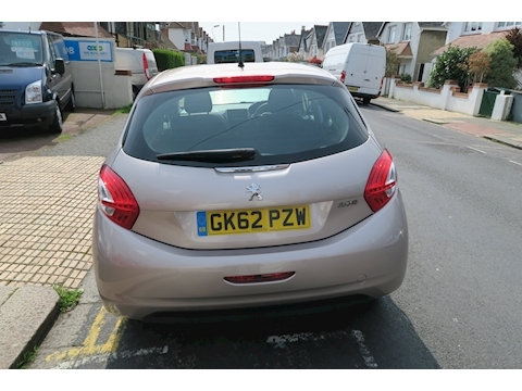 208 Active Hatchback 1.4 Manual Petrol One Owner