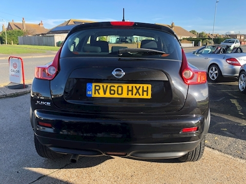 Juke Acenta Hatchback 1.6 Manual Petrol