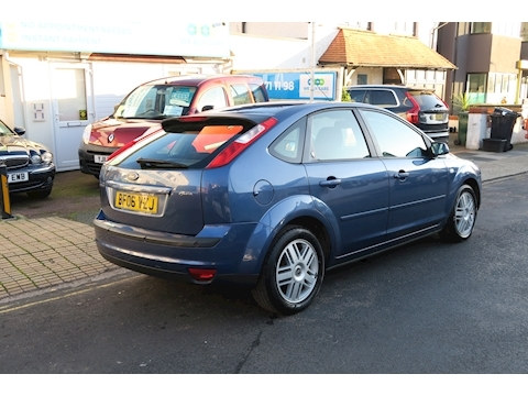 Focus Ghia 16V (116Bhp) Hatchback 1.6 Manual Petrol