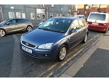 Ford Focus Ghia 16V (116Bhp) - Thumb 5