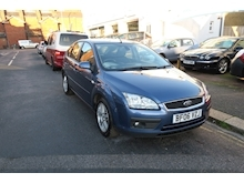 Ford Focus Ghia 16V (116Bhp) - Thumb 7