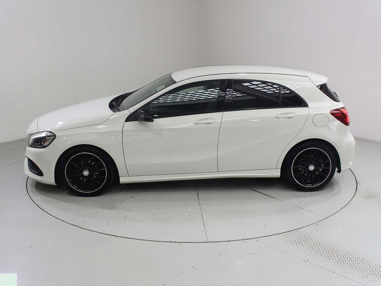 Mercedes-Benz A-Class A 180 D Amg Line Premium Hatchback 1.5 Manual Diesel