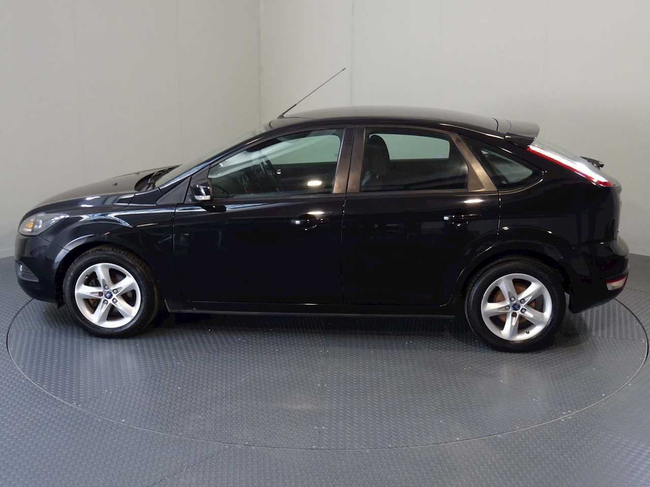 Ford Focus Zetec Hatchback 1.8 Manual Petrol