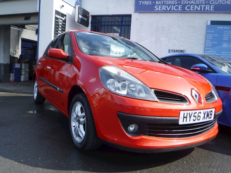 Clio Dynamique 16V Hatchback 1.4 Manual Petrol